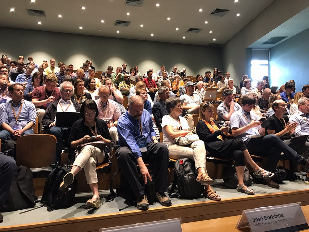Postdata en la Conferencia anual de la Iniciativa de Metadatos Dublin Core